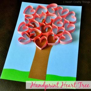 arbol con corazones